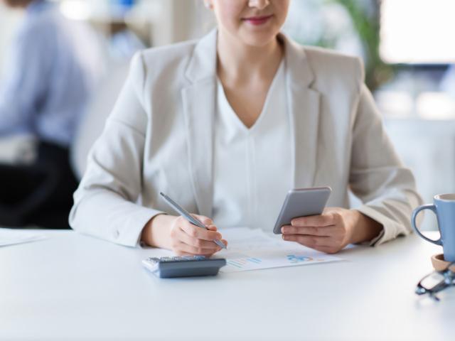 Smartphone au travail : 3 habitudes à prendre